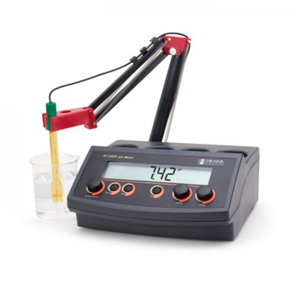 Medidor de pH / mV Benchtop con calibración manual y salida de registrador HI22091-01 Hanna