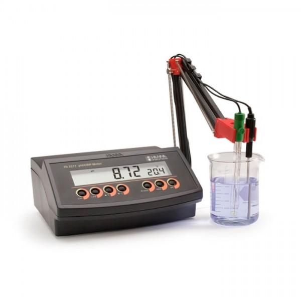 Medidor de pH / mV en Mesa de trabajo con una resolución de 0.01 HI2211-01 Hanna